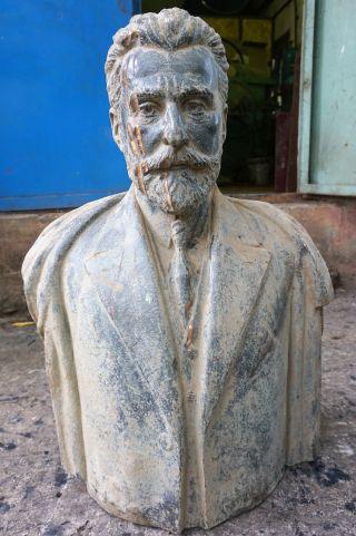 Un bust care îl reprezintă pe Vintilă I. C. Brătianu a fost recent descoperit