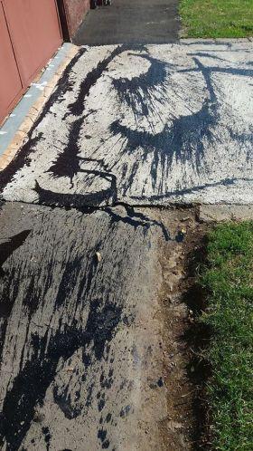 Alo, Primăria Carei? Urmăreşte cineva lucrările  de reabilitat trotuare?