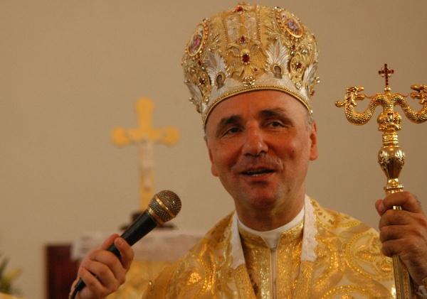 PS Virgil Bercea episcop de Oradea oficiază Sfânta Liturghie la Ghenci