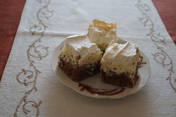 Prăjitură cu brânză şi spumă
