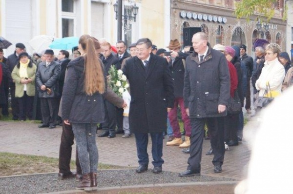 Primarul Careiului. Scuze pentru steagurile maghiare nu şi pentru lipsa celor româneşti şi a eşarfei tricolore
