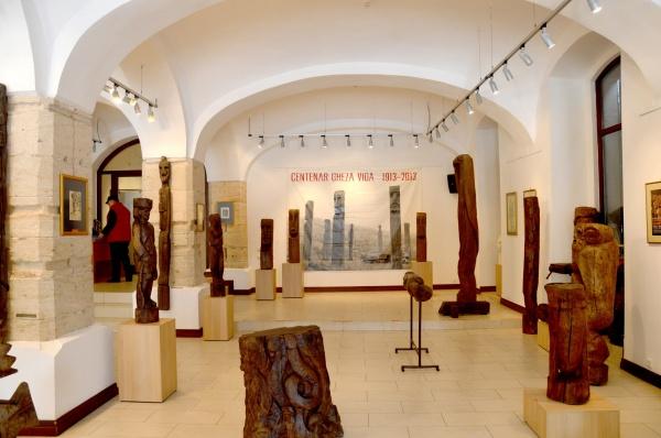 Invitaţie la Colonia de Pictură şi la expoziția GHEZA VIDA şi prietenii săi artişti