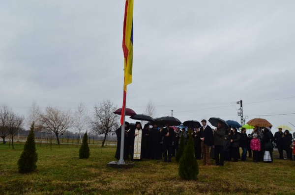 Prefectul Filip a realizat un catarg pentru mănăstirea Scărişoara