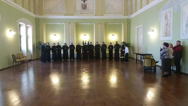 Primăria Carei. Colindători primiţi în Sala Festivă doar cu simbolistică maghiară