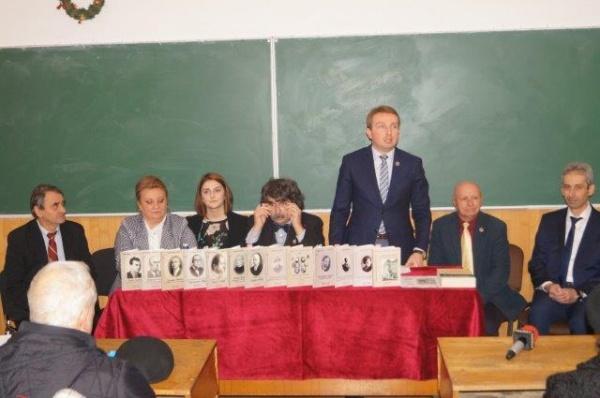 Lansare de carte. Organizaţii de tineret din Liceul Mihai Eminescu