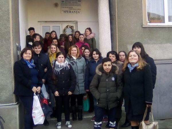 """Elevi de la Colegiul Tehnic """"Iuliu Maniu"""" Carei la concursul iniţiat de Patriarhie """"Unirea: libertate şi unitate"""""""