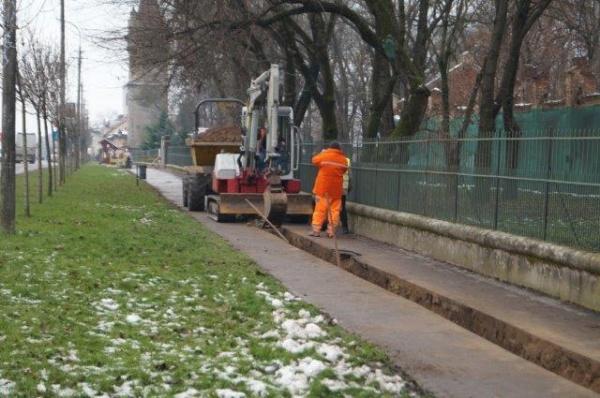 Noi lucrări la trotuarele din Carei