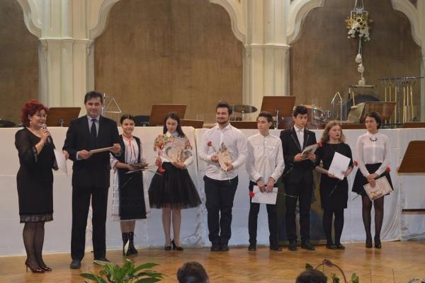 """3 premii pentru Liceul Teoretic Carei la concursul """"Darul ce ni s-a făcut prin Eminescu"""""""