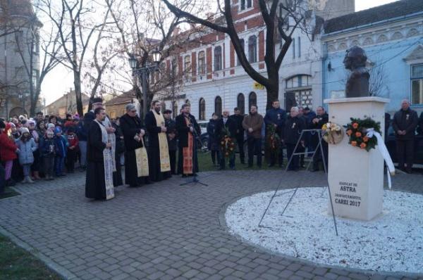 Depuneri de coroane la bustul lui Mihai Eminescu de la Carei