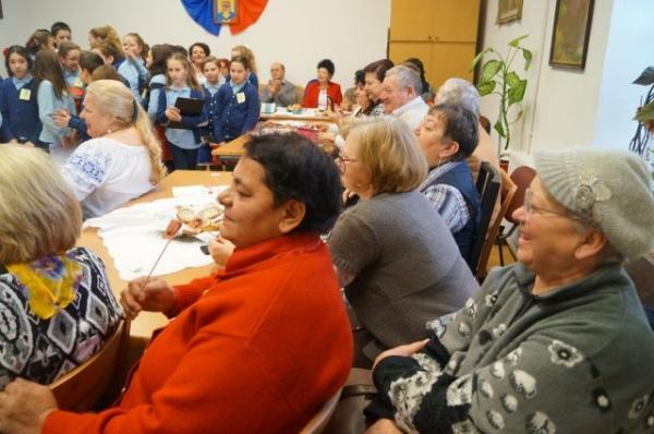 """Mihai Eminescu sărbătorit şi la Asociația de Pensionari """"Castelanii Seniori – 2015"""" Carei"""