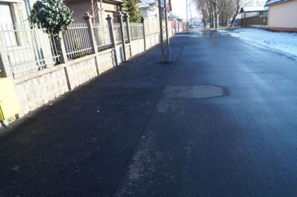 Strada Stadionului din Carei asfaltată peste borduri