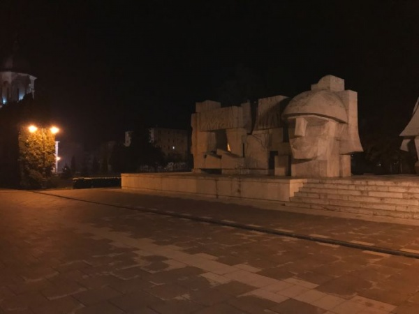 A fost pornit iluminatul nocturn la Monumentul Ostaşului Român din Carei