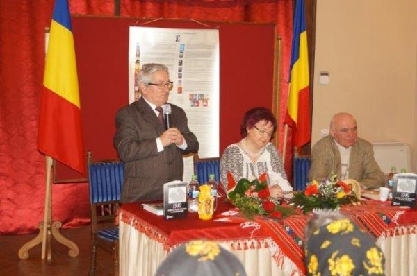 Lansare de carte de succes. Autor col(r)Constantin Moşincat. Stoc epuizat