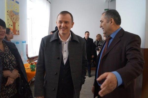 Prefectul Darius Filip a vizitat Şcoala Gimnazială nr.1 Carei