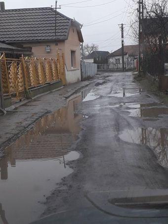 Careienii ne semnalează…starea drumului de pe strada Morii