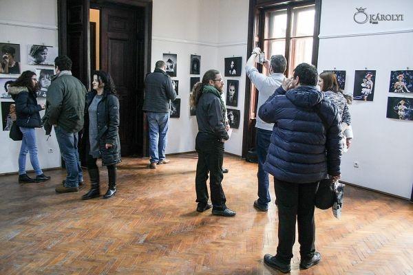 """Expoziție de artă fotografică """"Woman's Mystery""""  la Carei"""
