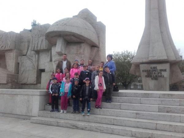 Elevi din Andrid în vizită la Carei