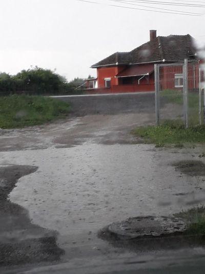 Strada Morii din Carei după ploaie