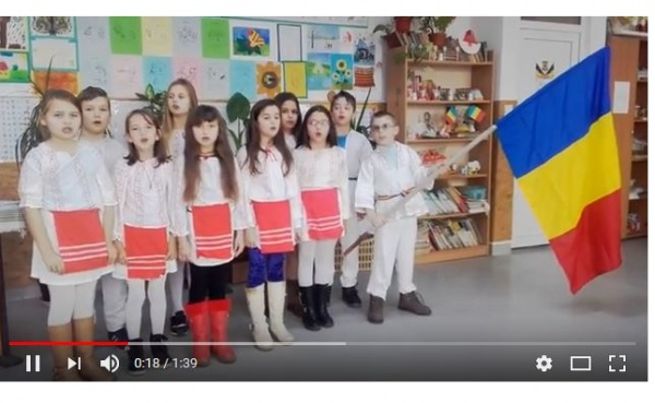 Acţiunea  ,,Costume populare româneşti pentru Şcoala Andrid,,