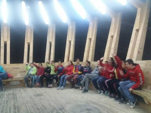 Elevi careieni cu nevoi speciale în excursie la Salina Turda