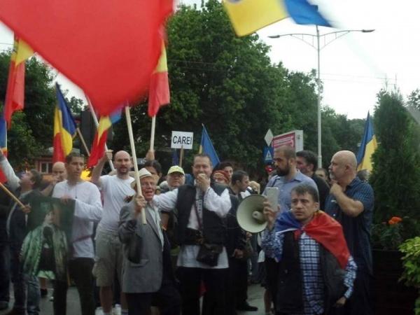 Protest împotriva impunerii de către UDMR ca LIMBA MAGHIARĂ să devină a doua LIMBĂ OFICIALĂ în statul român!