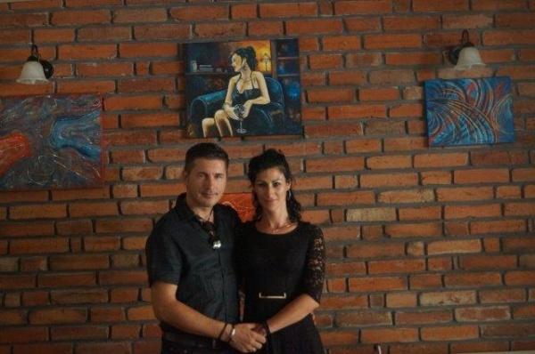 Doi tineri artişti şi o expoziţie
