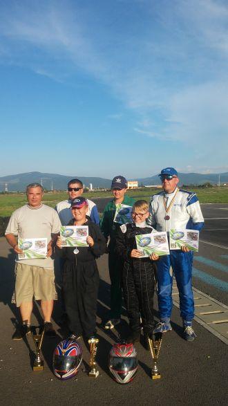 Karting. Elevii lui Mille Ioan revin de la Brașov cu rezultate frumoase