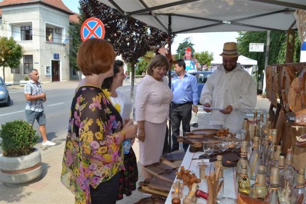 Târg de produse tradiţionale, meşteşugăreşti şi artizanale la Negrești Oaș