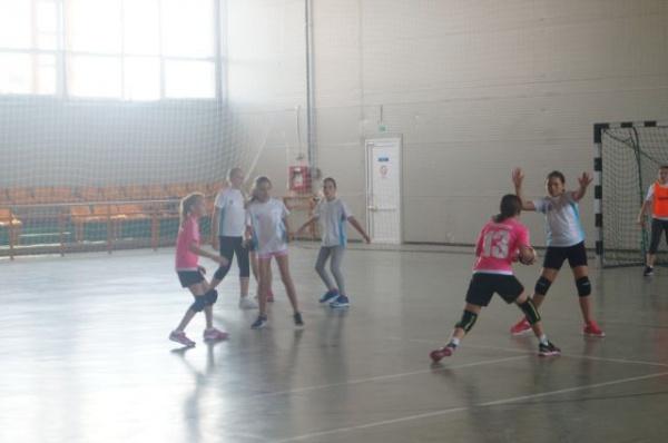Carei, capitala handbalului juvenil timp de 4 zile. Memorialul Mircea Dohan