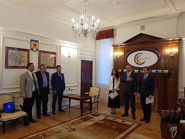 Fost candidat de primar în Carei, vicepreşedinte al CJ Satu Mare numit consul la Londra în luna iulie