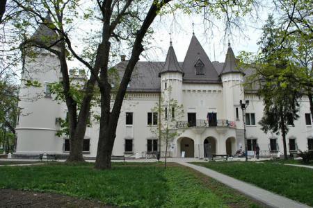 Primăria Cluj-Napoca vs. Primăria Carei la capitolul  atragere de fonduri din turism