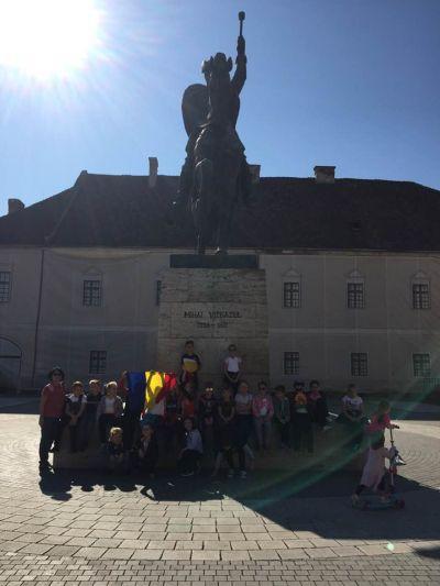 Elevi şi părinţi din Carei la Alba Iulia-n cetate