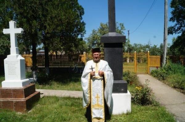 Un preot ortodox este catalogat drept comediant de consilierul primarului Kovacs