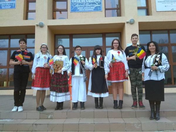 Elevi din Carei la Festivalul de colinde de la Şomcuta Mare