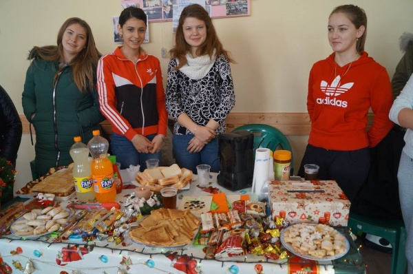 Târg culinar caritabil la Liceul Tehnologic Iuliu Maniu Carei