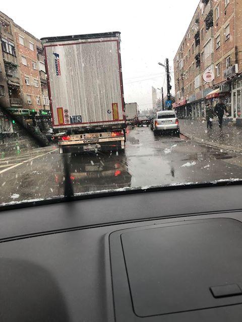 Careienii semnalează o nouă zi cu trafic greu prin centru
