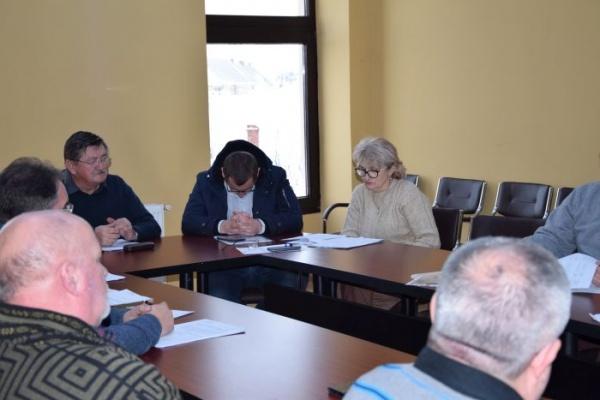 Circ în Consiliul Local. Kovacs primarul datornic și la activ cu firme falimentate dă lecții de economie