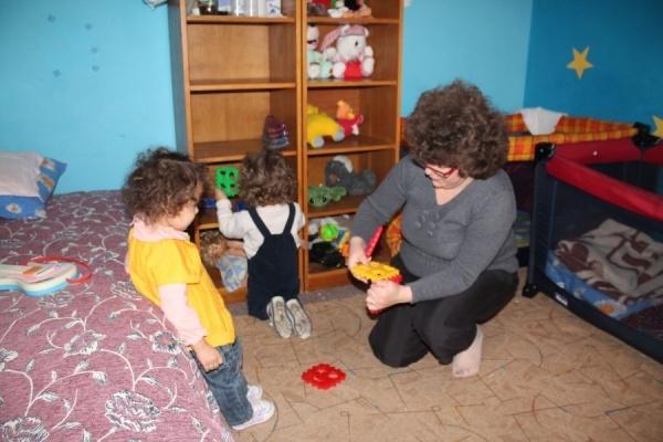 Se caută Asistenți Maternali