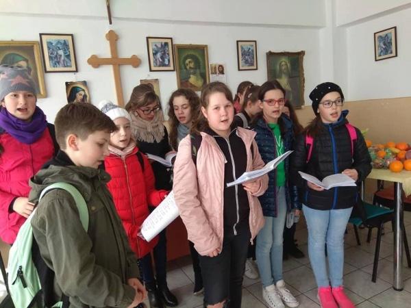 Micii voluntari aduc bucurie la Centrul de îngrijire socială Alexandru Carei