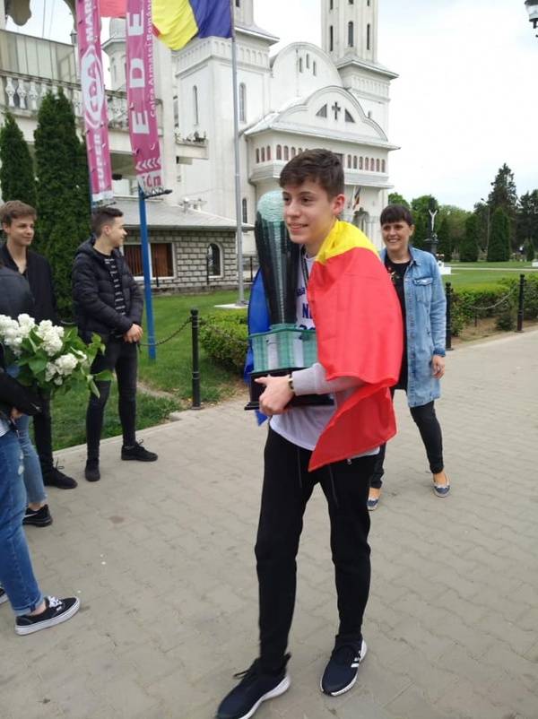 A sosit campionul! Octavian Balog a  revenit din Indonezia