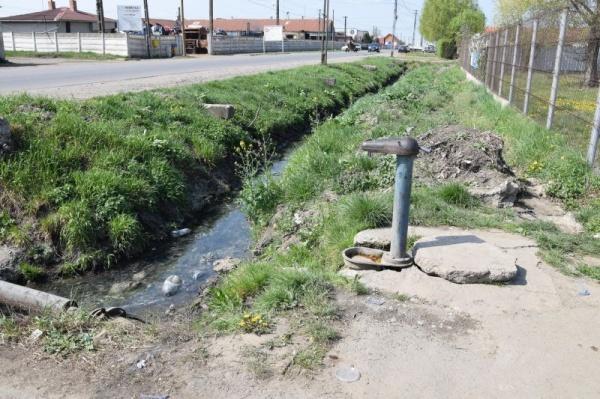 Administrația Kovacs-Keizer-Beko asigură apă de la o cișmea pentru zeci de familii din Carei