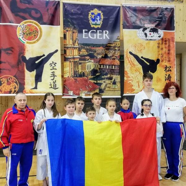 Karate. Sportivii careieni revin de la Eger cu o ploaie de medalii