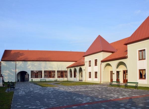 Școală de Vară și la Centrul Cultural