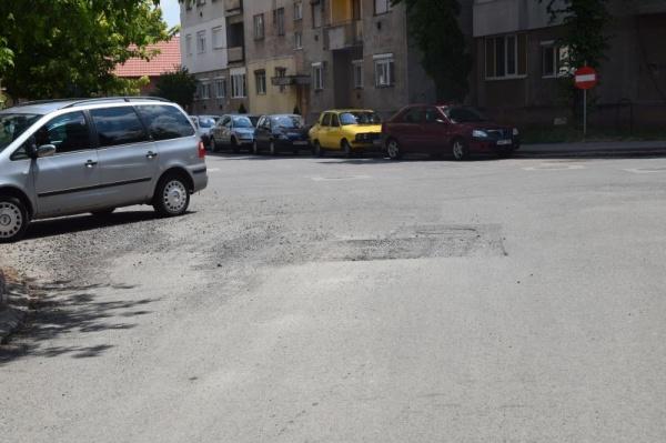 Drumuri de coșmar prin cartierul Mihai Viteazul I din Carei