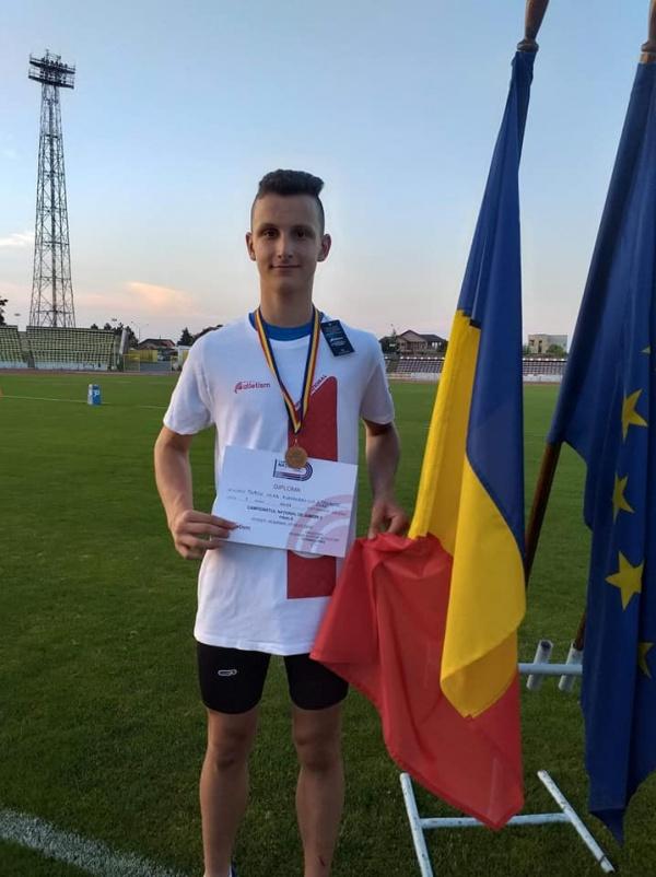 Vlad Turcu din Carei cel mai bun aruncător de suliță din țară la juniori 3