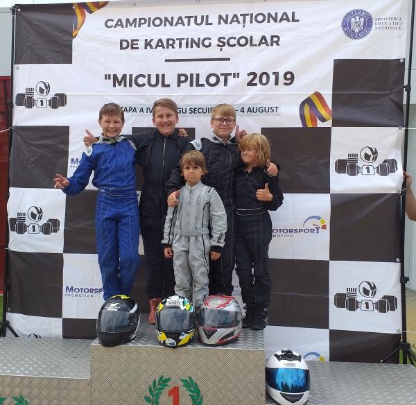 Karting: Elevii lui Ioan Mille se întorc cu premii de la Târgu-Secuiesc