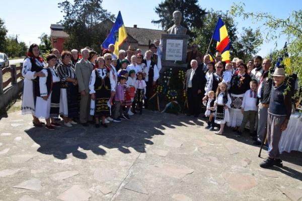 Comemorare Avram Iancu la Marna Nouă. Parada portului popular pentru cei mici