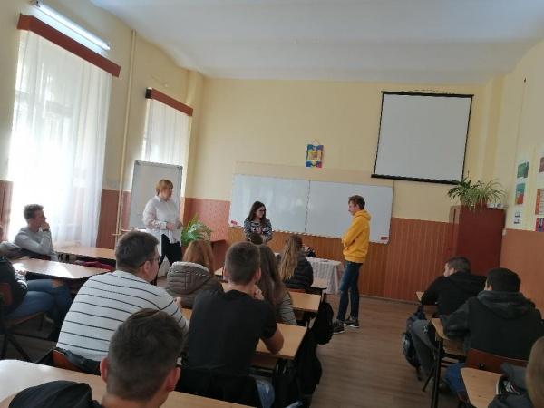 """Inițiativa Globală pentru Tineret la Liceul Tehnologic """"Iuliu Maniu"""" Carei"""