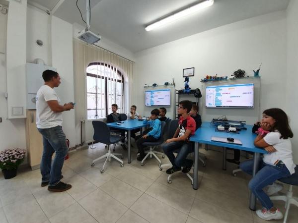 Cursuri de robotică oferite de Smart Academy Satu Mare pentru copii