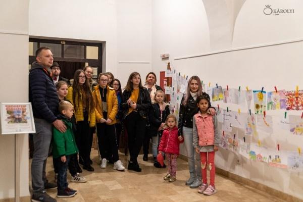 Expoziția de desene, pictură și fotografie a cursanților cercului de pictură și grafică la Castelul din Carei